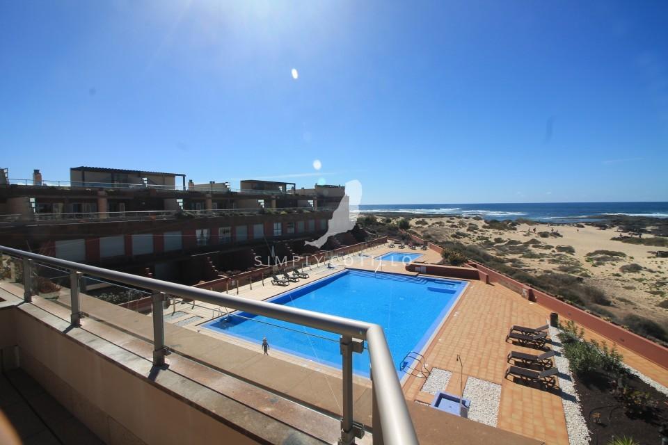 FV16 pool view-2
